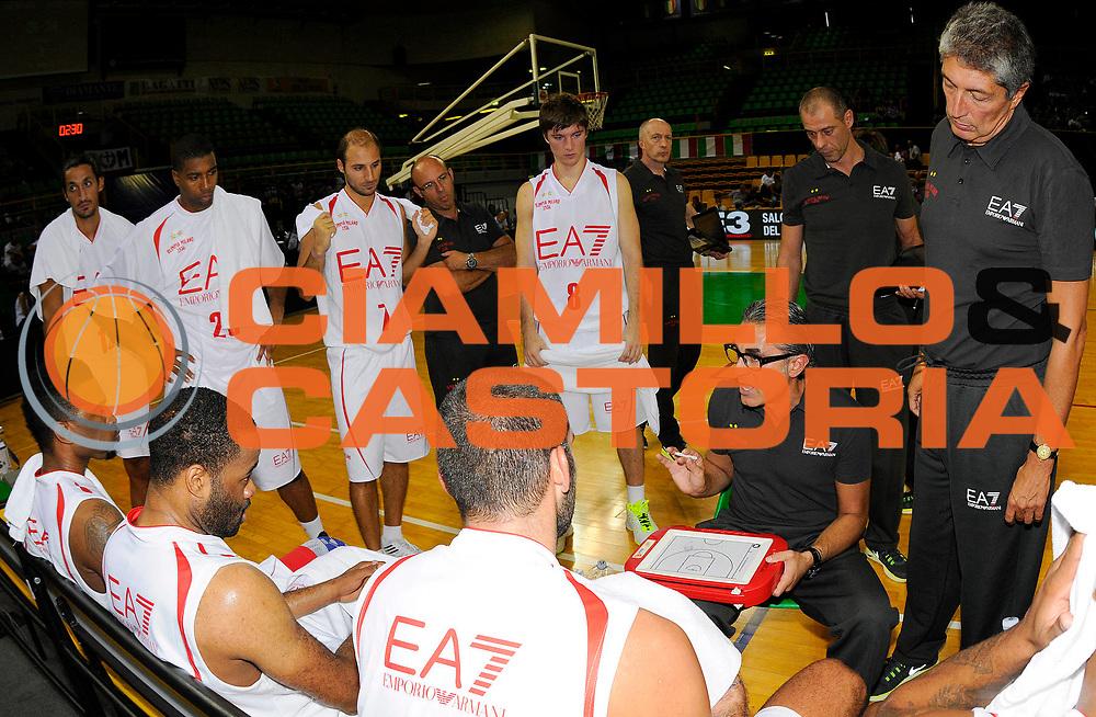 DESCRIZIONE : Modena Lega A 2012-2013 Precampionato EA7 Olimpia Milano - Umana Reyer Venezia<br /> GIOCATORE : Coach Sergio Scariolo<br /> CATEGORIA : Coach TimeOut<br /> SQUADRA : EA7 Olimpia Milano<br /> EVENTO : Campionato Lega A 2012-2013<br /> GARA : EA7 Olimpia Milano - Umana Reyer Venezia<br /> DATA : 08/09/2012<br /> SPORT : Pallacanestro<br /> AUTORE : Agenzia Ciamillo-Castoria/Ale.Giberti<br /> GALLERIA : Lega Basket A 2012-2013<br /> FOTONOTIZIA : Caorle Lega A 2012-2013 EA7 Olimpia Milano - Umana Reyer Venezia<br /> PREDEFINITA :