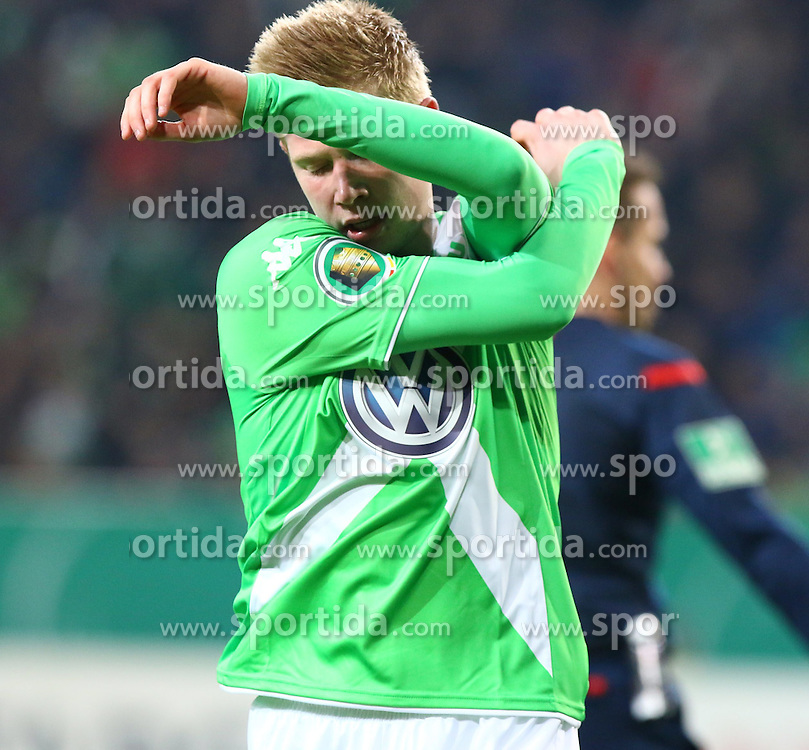 07.04.2015, Volkswagen Arena, Wolfsburg, GER, DFB Pokal, VfL Wolfsburg vs SC Freiburg, Viertelfinale, im Bild Kevin de Bruyne (#14, VfL Wolfsburg) aergert sich nach einer vergebenen Chance // SPO during German DFB Pokal quarter final match between VfL Wolfsburg and SC Freiburgat the Volkswagen Arena in Wolfsburg, Germany on 2015/04/07. EXPA Pictures &copy; 2015, PhotoCredit: EXPA/ Eibner-Pressefoto/ Hundt<br /> <br /> *****ATTENTION - OUT of GER*****