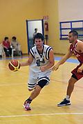 DESCRIZIONE : Varallo Torneo di Varallo Lega A 2011-12 Banco di Sardegna Sassari Cimberio Varese<br /> GIOCATORE : Drake Diener<br /> CATEGORIA :  Palleggio<br /> SQUADRA : Banco di Sardegna Sassari<br /> EVENTO : Campionato Lega A 2011-2012<br /> GARA : Banco di Sardegna Sassari Cimberio Varese<br /> DATA : 10/09/2011<br /> SPORT : Pallacanestro<br /> AUTORE : Agenzia Ciamillo-Castoria/A.Dealberto<br /> Galleria : Lega Basket A 2011-2012<br /> Fotonotizia : Varallo Torneo di Varallo Lega A 2011-12 Banco di Sardegna Sassari Cimberio Varese<br /> Predefinita :