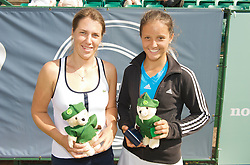 NOTTINGHAM, ENGLAND - Sunday, June 14, 2009: Laura Robson (GBR) and Olga Savchuk (UKR) with their Robin Hood teddy bears on finals day of the Tradition Nottingham Masters tennis event at the Nottingham Tennis Centre. (Pic by David Rawcliffe/Propaganda)