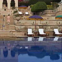 Asia, India, Agra. The Oberoi Amarvilas, exterior grounds.