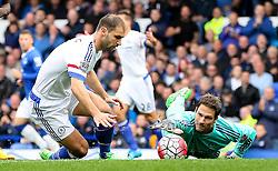 Asmir Begovic of Chelsea stretches to grab the ball - Mandatory byline: Matt McNulty/JMP - 07966386802 - 12/09/2015 - FOOTBALL - Goodison Park -Everton,England - Everton v Chelsea - Barclays Premier League