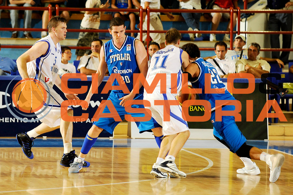 DESCRIZIONE : Porto San Giorgio Eurobasket Men 2009 Additional Qualifying Round Italia Finlandia<br /> GIOCATORE : Valerio Amoroso<br /> SQUADRA : Italia Italy Nazionale Italiana Maschile<br /> EVENTO : Eurobasket Men 2009 Additional Qualifying Round <br /> GARA : Italia Finlandia Italy Finland<br /> DATA : 20/08/2009 <br /> CATEGORIA :  blocco<br /> SPORT : Pallacanestro <br /> AUTORE : Agenzia Ciamillo-Castoria/G.Ciamillo