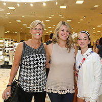 Linda and Ellen Gibson, Isabel Messmer