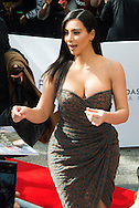 Kim Kardashianlors de la pr&eacute;sentation de sa nouvelle gamme de produit au &quot;Marionnaud&quot; Champs Elys&eacute;e &agrave; Paris<br /> France, Paris, 15 avril 2015.