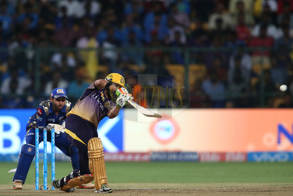 Kolkata Knight Riders captain Gautam Gambhir drives a delivery over the top to the boundary during the 2nd qualifier match of the Vivo 2017 Indian Premier League between the Mumbai Indians and the Kolkata Knight Riders held at the M.Chinnaswamy Stadium in Bangalore, India on the 19th May 2017<br /> <br /> Photo by Shaun Roy - Sportzpics - IPL
