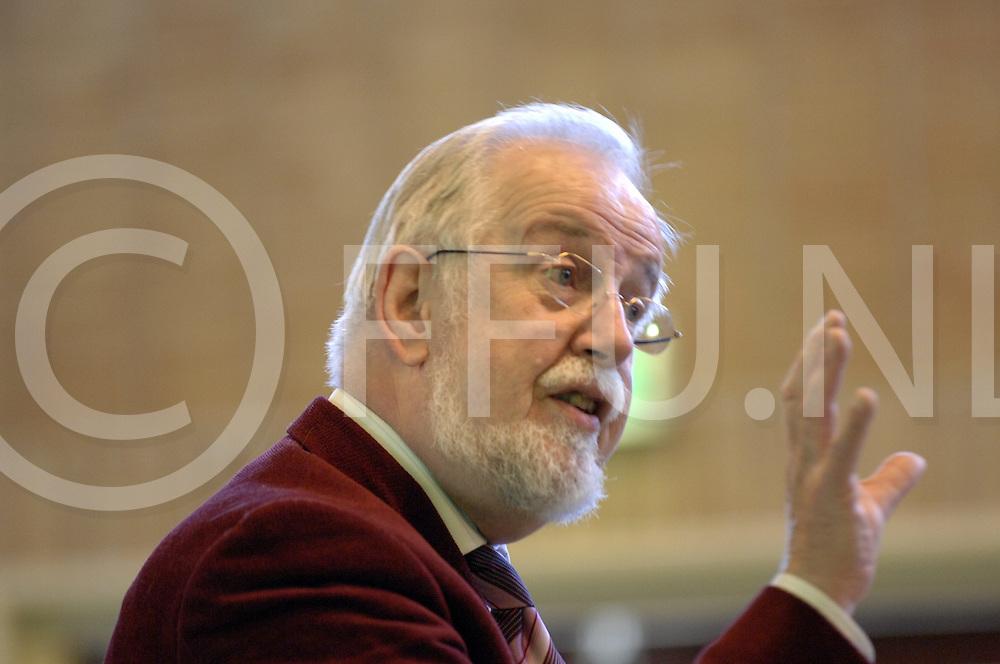 ALMELO..repetiei zang en oratorium vereniging St. Ceacelia...foto: dirigent Anne Eenhoorn,..Editie: AM..fotografie frank uijlenbroek©2008frank uijlenbroek..TT20080216..