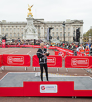 Paula Radcliffe receives Lifetime Achievement Award at The Virgin Money London Marathon, Sunday 26th April 2015.<br /> <br /> Photo: Jon Buckle for Virgin Money London Marathon<br /> <br /> For more information please contact Penny Dain at pennyd@london-marathon.co.uk