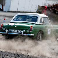 Car 60 Trevor Linfoot James Calvert MG B_gallery
