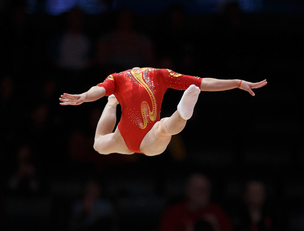 Yan Wang  of China performs on the Floor during the Women's Team Final at the 46th FIG Artistic Gymnastics World Championships in Glasgow, Britain, 27 October 2015.