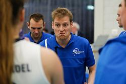 20180110 NED: CEV CUP Sliedrecht Sport - Beziers Angels VB: Sliedrecht<br />Matt van Wezel, headcoach of Sliedrecht Sport <br />&copy;2018-FotoHoogendoorn.nl / Pim Waslander