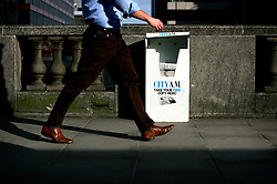 UK ENGLAND LONDON 16MAR07 - Free newspaper dispenser in the city of London. ..jre/Photo by Jiri Rezac..© Jiri Rezac 2007..Contact: +44 (0) 7050 110 417.Mobile:  +44 (0) 7801 337 683.Office:  +44 (0) 20 8968 9635..Email:   jiri@jirirezac.com.Web:    www.jirirezac.com..© All images Jiri Rezac 2007 - All rights reserved.