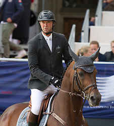 23.09.2012, Rathausplatz, Wien, AUT, Global Champions Tour, Vienna Masters, Grosser Preis, im Bild Patrice Delaveau (FRA) auf Carinjo 9 HDC// during Vienna Masters of Global Champions Tour, Grand Prix at the Rathausplatz, Vienna, Austria on 2012/09/23. EXPA Pictures © 2012, PhotoCredit: EXPA/ Sebastian Pucher