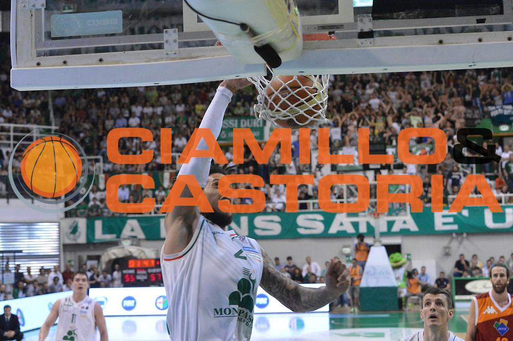 DESCRIZIONE : Siena Lega A 2012-2013 Montepaschi Siena Acea Roma playoff finale gara 3<br /> GIOCATORE : Daniel Hackett<br /> CATEGORIA : Schiacciata<br /> SQUADRA : Montepaschi Siena<br /> EVENTO : Campionato Lega A 2012-2013 playoff finale gara 3<br /> GARA : Montepaschi Siena Acea Roma<br /> DATA : 15/06/2013<br /> SPORT : Pallacanestro <br /> AUTORE : Agenzia Ciamillo-Castoria/GiulioCiamillo<br /> Galleria : Lega Basket A 2012-2013  <br /> Fotonotizia : Siena Lega A 2012-2013 Montepaschi Siena Acea Roma playoff finale gara 3