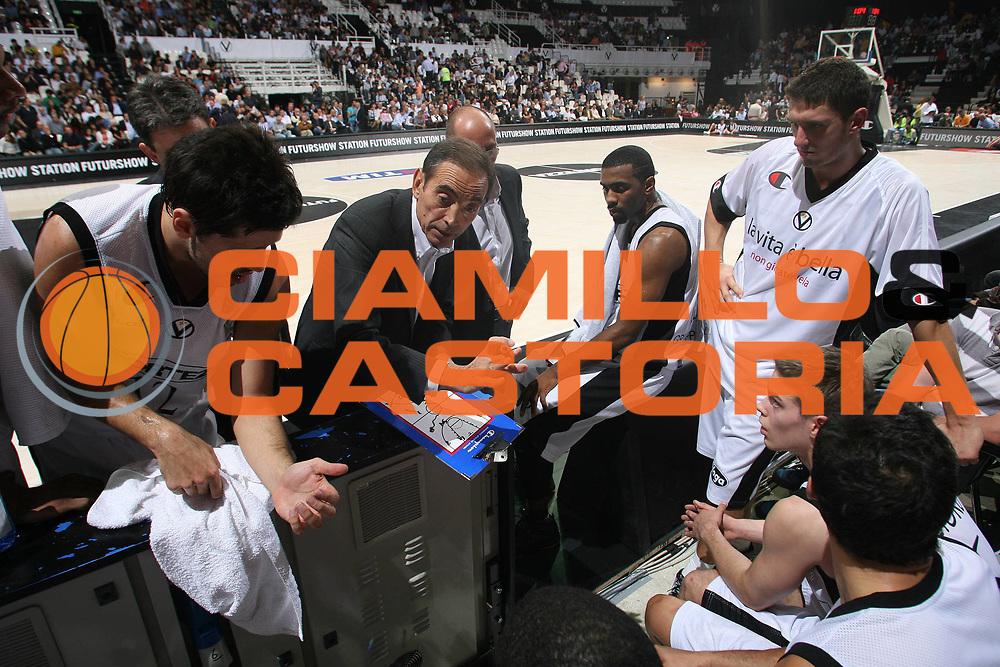 DESCRIZIONE : Bologna Lega A1 2008-09 La Fortezza Virtus Bologna Angelico Biella<br /> GIOCATORE : Renato Pasquali Team Virtus Bologna<br /> SQUADRA : La Fortezza Virtus Bologna<br /> EVENTO : Campionato Lega A1 2008-2009 <br /> GARA : La Fortezza Virtus Bologna Angelico Biella<br /> DATA : 12/10/2008 <br /> CATEGORIA : timeout<br /> SPORT : Pallacanestro <br /> AUTORE : Agenzia Ciamillo-Castoria/M.Marchi