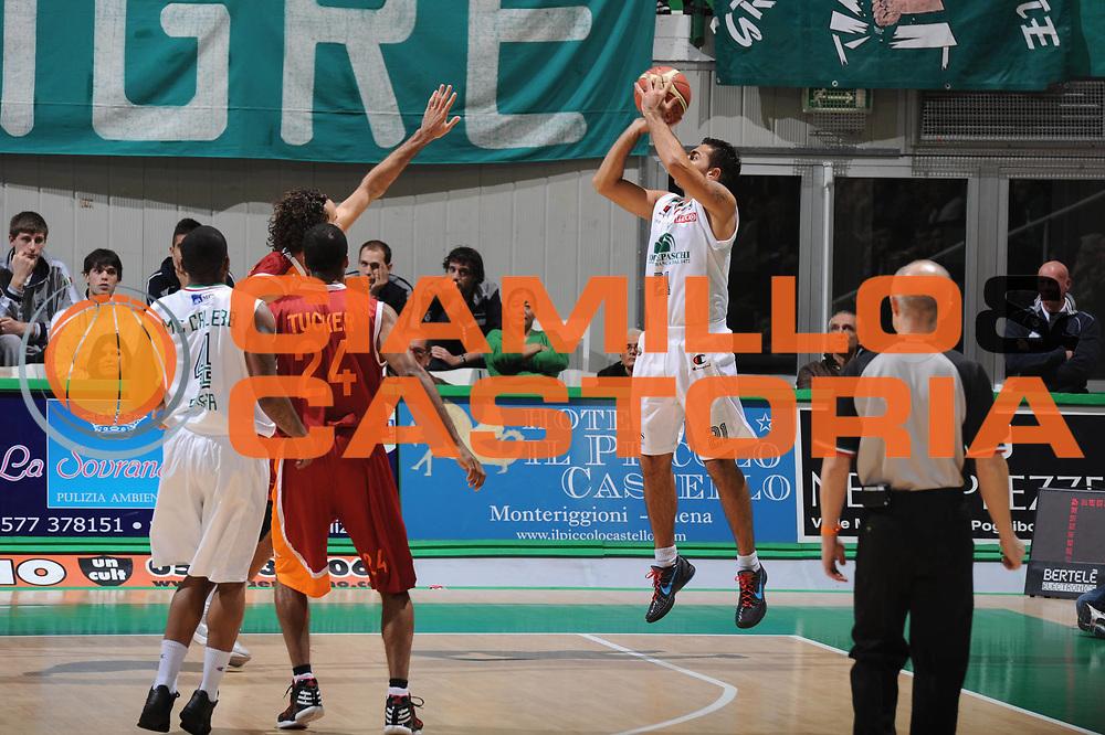 DESCRIZIONE : Siena Lega A 2011-12 Bancatercas Teramo Montepaschi Siena<br /> GIOCATORE : Pietro Aradori<br /> CATEGORIA : three points tiro<br /> SQUADRA : Montepaschi Siena<br /> EVENTO : Campionato Lega A 2011-2012<br /> GARA : Montepaschi Siena Virtus Roma<br /> DATA : 05/11/2011<br /> SPORT : Pallacanestro<br /> AUTORE : Agenzia Ciamillo-Castoria/GiulioCiamillo<br /> Galleria : Lega Basket A 2011-2012<br /> Fotonotizia : Siena Lega A 2011-12 Montepaschi Siena Virtus Roma<br /> Predefinita :