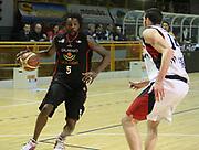 DESCRIZIONE : Lodi Lega A2 2009-10 Campionato UCC Casalpusterlengo - Riviera Solare RN<br /> GIOCATORE : Ebi Ndudi<br /> SQUADRA : Riviera Solare RN<br /> EVENTO : Campionato Lega A2 2009-2010<br /> GARA : UCC Casalpusterlengo Riviera Solare RN<br /> DATA : 14/03/2010<br /> CATEGORIA : Palleggio<br /> SPORT : Pallacanestro <br /> AUTORE : Agenzia Ciamillo-Castoria/D.Pescosolido
