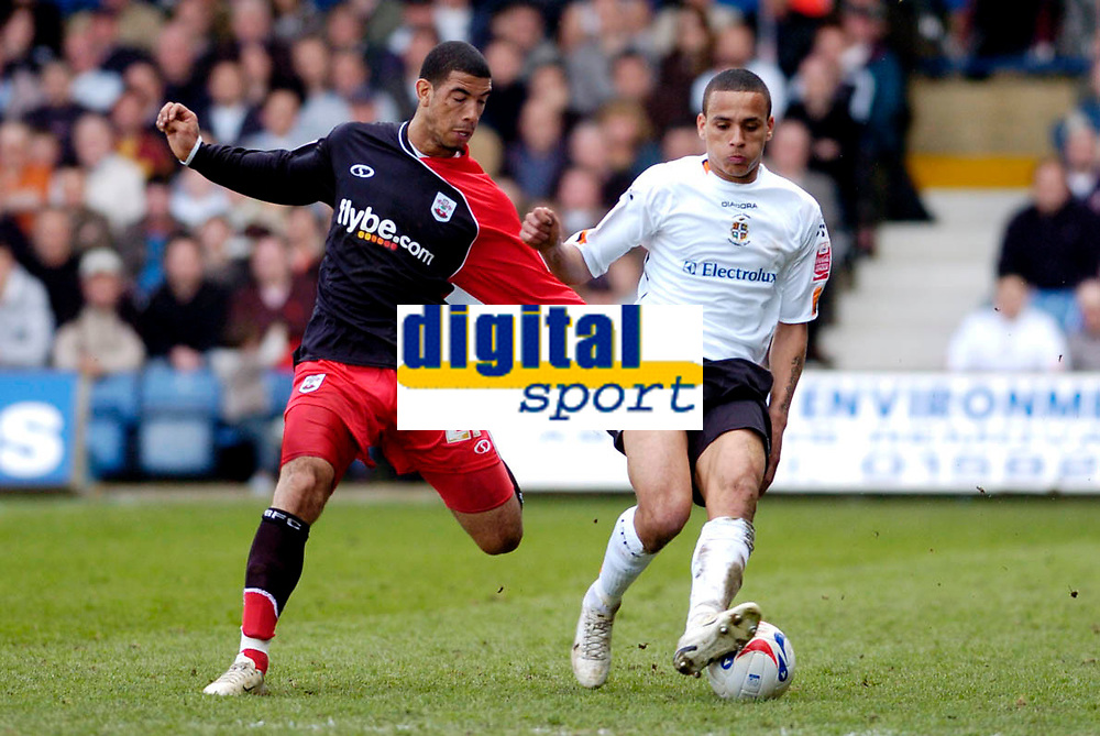Photo: Leigh Quinnell.<br /> Luton Town v Southampton. Coca Cola Championship. 07/04/2007. Southamptons Leon Best looks over Lutons Dean Morgan.