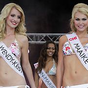 NLD/Rotterdam/20120615 - Verkiezing Miss Zuid-Holland 2012, deelneemster en winnares Wendy-Kristy Hoogerbrugge en deelneemster Maaike Tjalsma