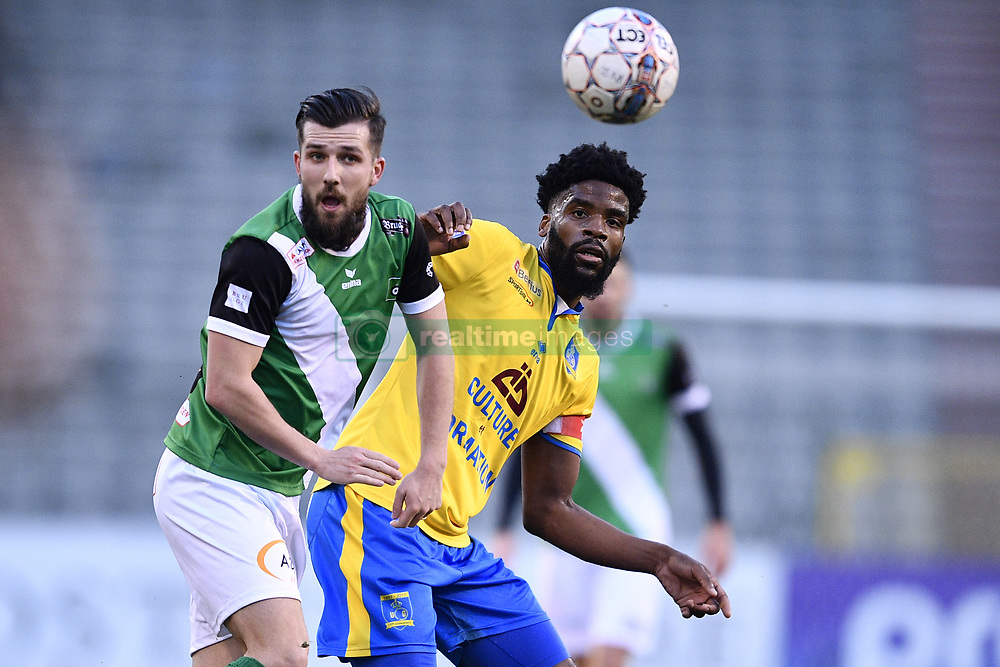 February 17, 2018 - Brussels, BELGIUM - Cercle's Xavier Mercier and Union's Jordan Massengo fight for the ball during a soccer game between Union Saint-Gilloise and Cercle Brugge, in Brussels, Saturday 17 February 2018, on day 27 of the division 1B Proximus League competition of the Belgian soccer championship. BELGA PHOTO YORICK JANSENS (Credit Image: © Yorick Jansens/Belga via ZUMA Press)