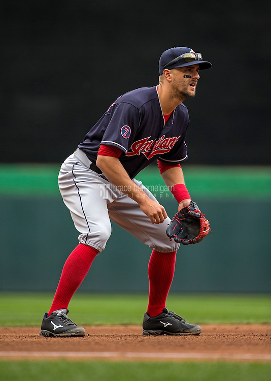 MINNEAPOLIS, MN- APRIL 19: Lonnie Chisenhall #8 of the Cleveland Indians fields against the Minnesota Twins on April 19, 2015 at Target Field in Minneapolis, Minnesota. The Twins defeated the Indians 7-2. (Photo by Brace Hemmelgarn) *** Local Caption *** Lonnie Chisenhall