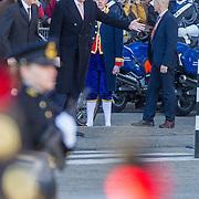 NLD/Amsterdam/20161128 - Belgisch Koningspaar start staatsbezoek aan Nederland