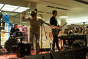 FLORENCE OF FLORENCE AND THE MACHINE, Uniqlo - Japanese store launch party, 311 Oxford Street, London, W1. 6 November 2007. -DO NOT ARCHIVE-© Copyright Photograph by Dafydd Jones. 248 Clapham Rd. London SW9 0PZ. Tel 0207 820 0771. www.dafjones.com.