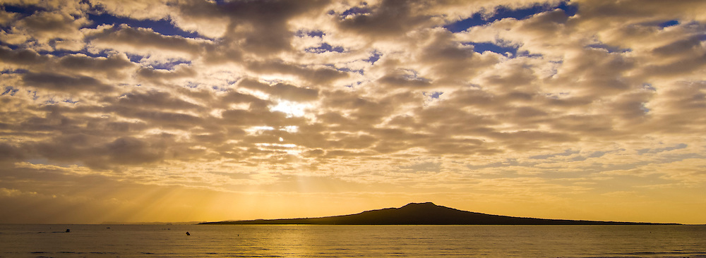 rangitoto from takapuna beach sunrise