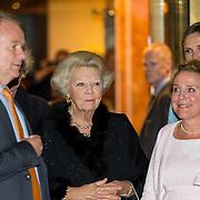 NLD/Amsterdam/20150926 - Afsluiting viering 200 jaar Koninkrijk der Nederlanden, vertrek Beatrix begeleid door Ank Bijleveld