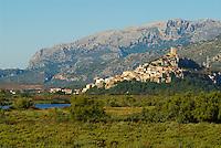 Italie. Sardaigne. Village de Posada. Golfe d'Olbia. // Italy. Sardinia. Posada village. Olbia Gulf.