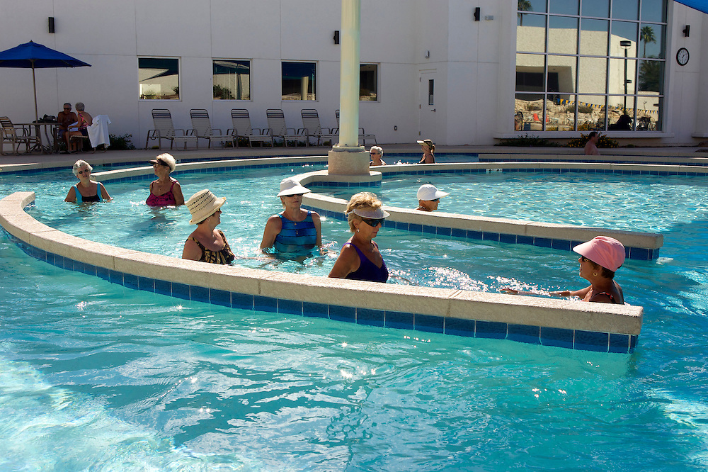 UNITED STATES-SUN CITY-Swimming pool in Sun City, a retirement community in Arizona. PHOTO: GERRIT DE HEUS .VERENIGDE STATEN-SUN CITY-  Sun City. Zwembad. PHOTO GERRIT DE HEUS