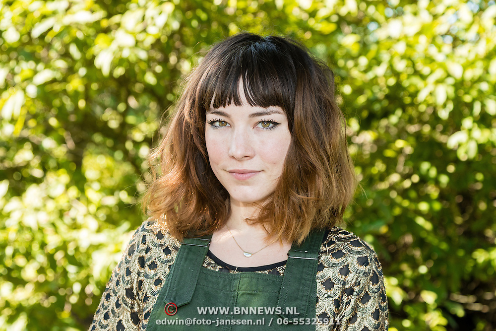 NLD/Amsterdam/20160913 - Presentatie RTL serie Weemoedt, Isis Cabolet