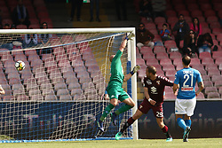 May 6, 2018 - Naples, Italy - Lorenzo De Silvestri of Torino FC scores the 2-2 goal during the serie A match between SSC Napoli and Torino FC at Stadio San Paolo on May 6, 2018 in Naples, Italy.  (Photo by Paolo Manzo/NurPhoto) (Credit Image: © Paolo Manzo/NurPhoto via ZUMA Press)