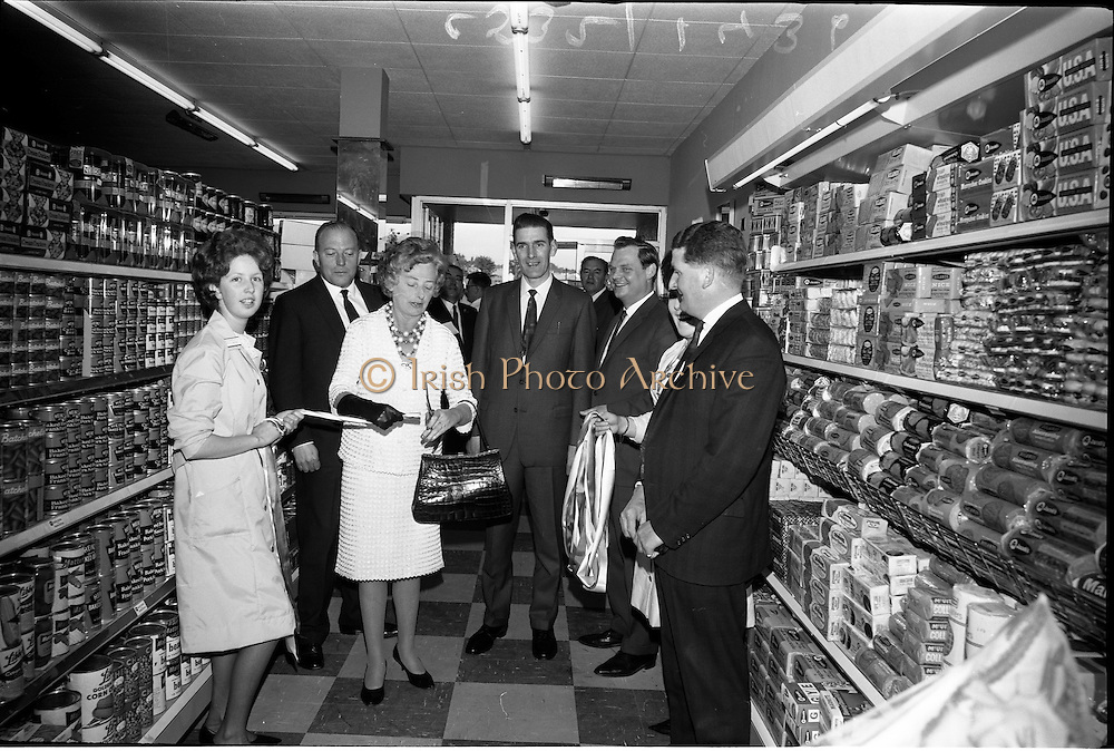 29/06/1965<br /> 06/29/1965<br /> 29 June 1965<br /> Opening of new H. Williams and Co. Ltd. Supermarket at Deansgrange, Dublin.