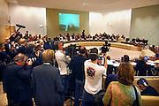 Nederland, Nijmegen, 28-11-2007..Mediadrukte bij de raadsvergadering waarin een vermeende sexuele escapade van PvdA wethouder Depla agendapunt is. Depla zit links van de twee lege stoelen. Hij zou in de fietsenkelder van het stadhuis orale sex hebben gehad met een VVD raadslid...Foto: Flip Franssen/Hollandse Hoogte