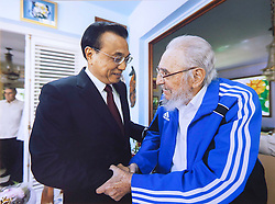 HAVANA, Sept. 26, 2016 (Xinhua) -- Chinese Premier Li Keqiang (L) visits Cuban revolutionary leader Fidel Castro in Havana, Cuba, Sept. 25, 2016. (Xinhua) (Credit Image: © Xinhua via ZUMA Wire)