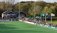 BLOEMENDAAL - Clubhuis van hockeyclub  Bl'daal met publiek langs de lijn tijdens de hoofdklasse hockeywedstrijd tussen de mannen van Bloemendaal en HC Tilburg (3-0). COPYRIGHT KOEN SUYK
