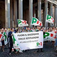 Sit-in per le dimissioni di Roberto Calderoli