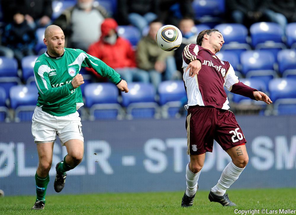 DK:<br /> 20100401, Br&oslash;ndby, Danmark:<br /> Fodbold SAS Liga, Br&oslash;ndby IF -Silkeborg IF:<br /> Christian Holst, Silkeborg, SIF.. Mike Jensen, BIF Br&oslash;ndby.<br /> Foto: Lars M&oslash;ller<br /> UK: <br /> 20100401, Brondby, Denmark:<br /> Fodbold SAS Liga, Br&oslash;ndby IF -Silkeborg IF:<br /> Christian Holst, Silkeborg, SIF.. Mike Jensen, BIF Br&oslash;ndby.<br /> Photo: Lars Moeller