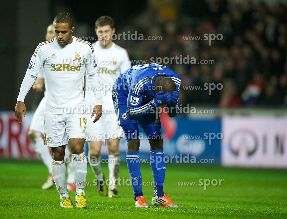 23.01.2013, Liberty Stadion, Swansea, ENG, League Cup, Swansea City vs FC Chelsea, Halbfinale, im Bild Chelsea's Demba Ba rues a missed chance against Swansea City during the Football League Cup Semi Final 2nd Leg match between Swansea City AFC and Chelsea FC at the Liberty Stadium, Swansea, Great Britain on 2013/01/23. EXPA Pictures © 2013, PhotoCredit: EXPA/ Propagandaphoto/ David Rawcliffe..***** ATTENTION - OUT OF ENG, GBR, UK *****