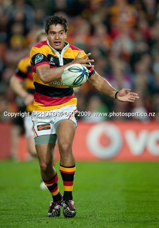 Waikato's Trent Renata during the Air New Zealand Cup rugby match between Waikato and Auckland, won by Auckland 26-18, at Waikato Stadium, Hamilton, New Zealand, Saturday 24 October 2009. Photo: Stephen Barker/PHOTOSPORT