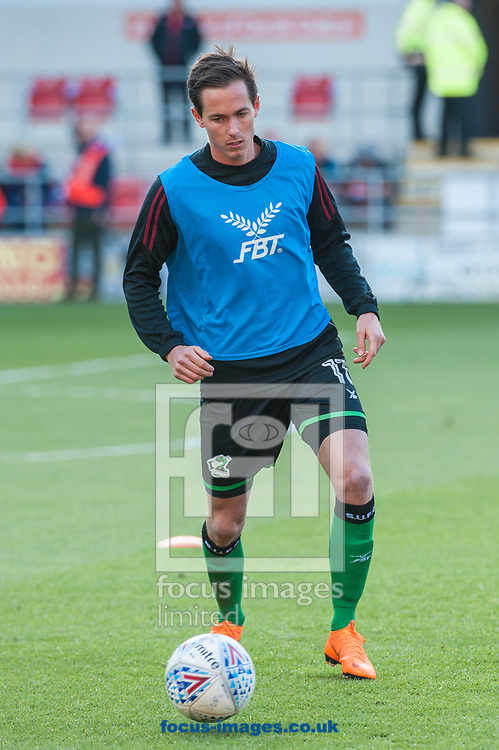 Lee Novak of Scunthorpe United warms up ahead of the Sky Bet League 1 Play-Off Semi-Final match at the New York Stadium, Rotherham<br /> Picture by Matt Wilkinson/Focus Images Ltd 07814 960751<br /> 16/05/2018