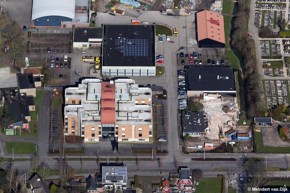 Sloop voormalige Drukkerij Telenga naast gemeentehuis Franeker
