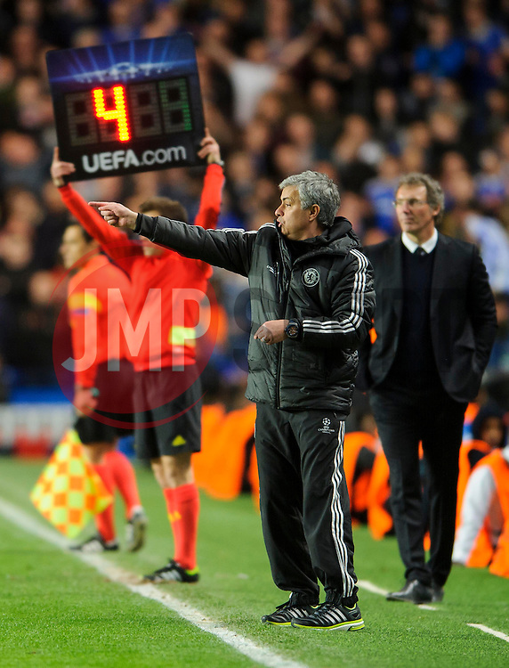 Chelsea Manager Jose Mourinho (POR) points from the touchline - Photo mandatory by-line: Rogan Thomson/JMP - 07966 386802 - 08/04/2014 - SPORT - FOOTBALL - Stamford Bridge, London - Chelsea v Paris Saint-Germain - UEFA Champions League Quarter-Final Second Leg.