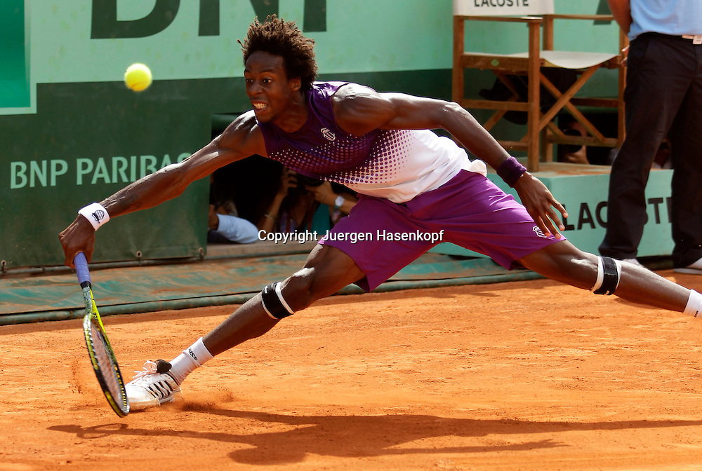 French Open 2011, Roland Garros,Paris,ITF Grand Slam Tennis Tournament . Gael Monfils (FRA) Einzelbild,Aktion,