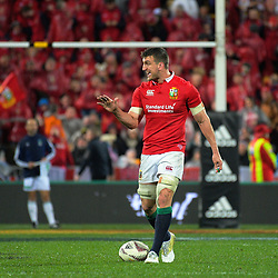 Lions captain Sam Warburton talks to his team during the 2017 DHL Lions Series 2nd test rugby match between the NZ All Blacks and British & Irish Lions at Westpac Stadium in Wellington, New Zealand on Saturday, 1 July 2017. Photo: Dave Lintott / lintottphoto.co.nz