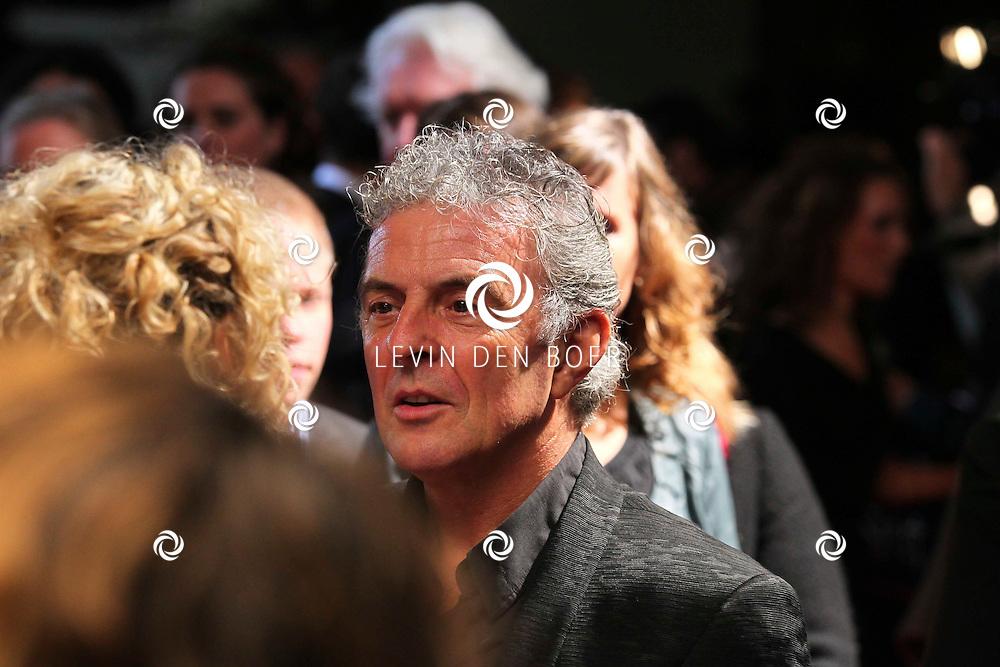 AMSTERDAM - De film Sint van regisseur Dick Maas gaat woensdag in het Muziektheater in Amsterdam in premiere. Met op de foto Huub Stapel. FOTO LEVIN DEN BOER - PERSFOTO.NU