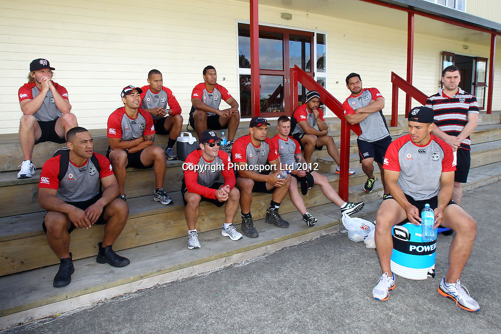 The players listen to the briefing, The beginning of the Vodafone Warriors Work Week, Warriors NRL league players help out out in the community with manual labour. East Tamaki Primary School, Auckland. 10 December 2012. Photo: William Booth/photosport.co.nz