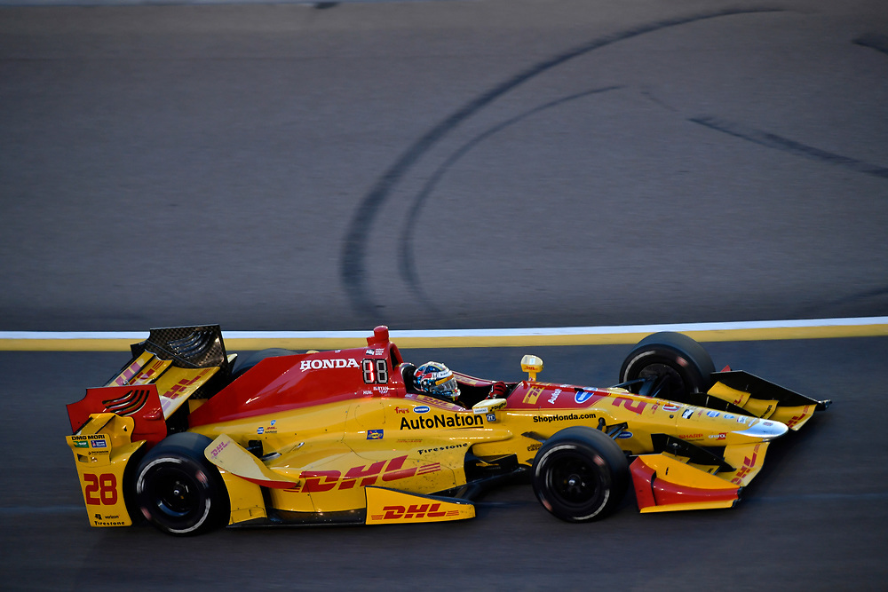 Verizon IndyCar Series<br /> Desert Diamond West Valley Phoenix Grand Prix<br /> Phoenix Raceway, Avondale, AZ USA<br /> Saturday 29 April 2017<br /> Ryan Hunter-Reay, Andretti Autosport Honda<br /> World Copyright: Scott R LePage<br /> LAT Images<br /> ref: Digital Image lepage-170429-phx-3343