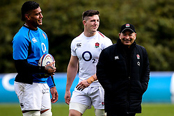 England Head Coach Eddie Jones with Tom Curry and Nathan Hughes of England - Mandatory by-line: Robbie Stephenson/JMP - 08/03/2019 - RUGBY - England - Training session ahead of Guinness Six Nations match against Italy